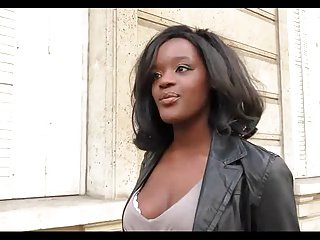 Liibertine Black Baise Dans Un Trio